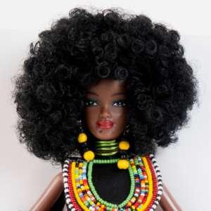 Amahle poupée mannequin noire