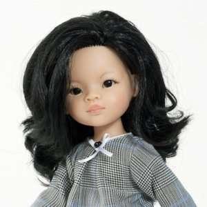 Poupée asiatique vinyle fille