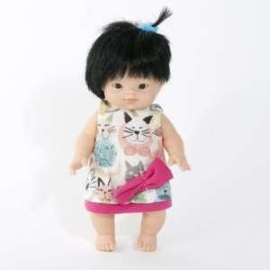 Poupée-asiatique-vinyle-fille