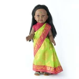 NEELA poupée indienne aux cheveux longs noirs avec un sari vert et rose