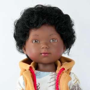 Noah joli poupon africain garçon de 28 cm avec cheveux bouclés