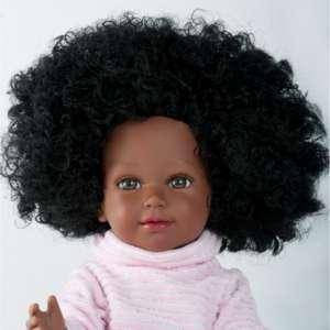 Djelika superbe poupée africaine avec cheveux bouclés à coiffer